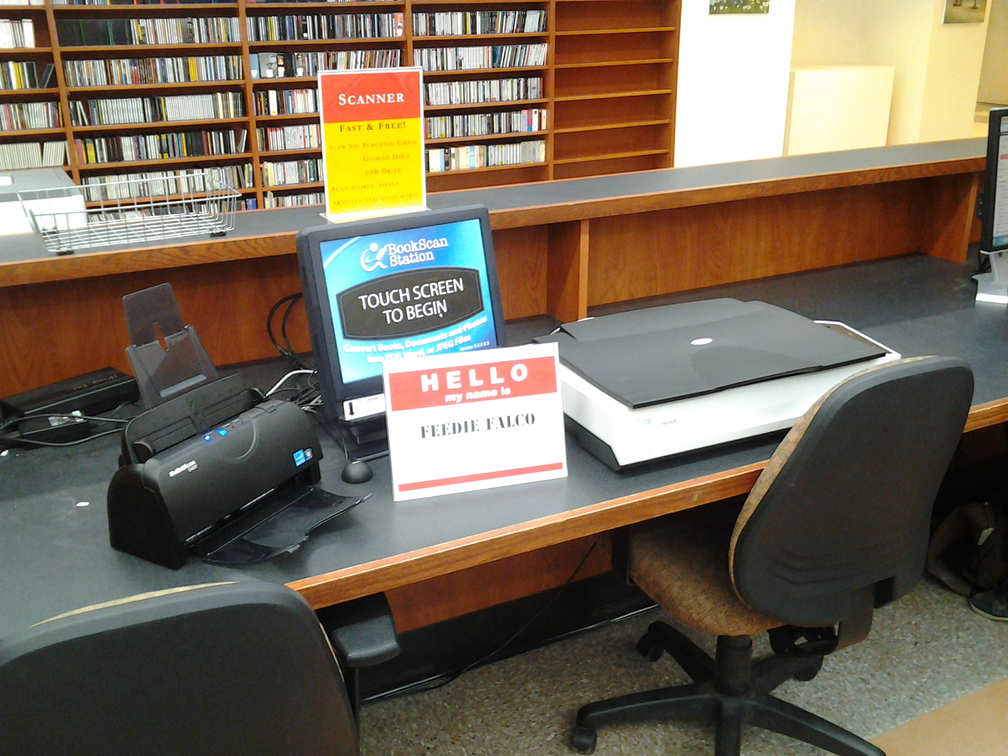Feedey Falco, the second book scanning station.
